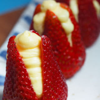 Strawberries Filled with Almond Cream Recipe