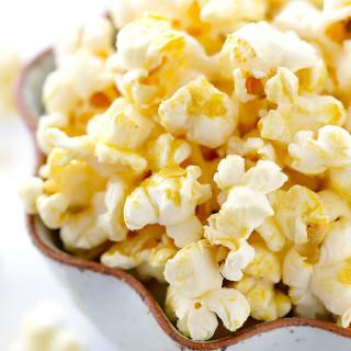 The BEST Butter-Free Popcorn (Nooch Popcorn)