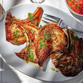 Tuk Trey Ping Poh With Pork Chops