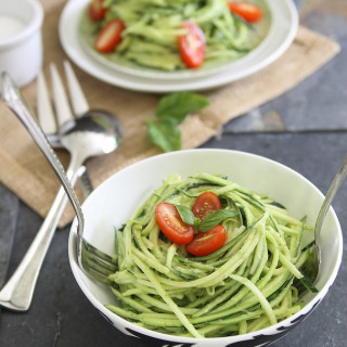 Zucchini pasta with avocado cream sauce
