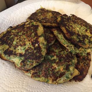 Zucchini Patties (Kabak Mueveri)