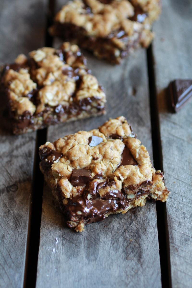 Healthy Dark Chocolate Chunk Oatmeal Cookie Bars (Idiot Proof)
