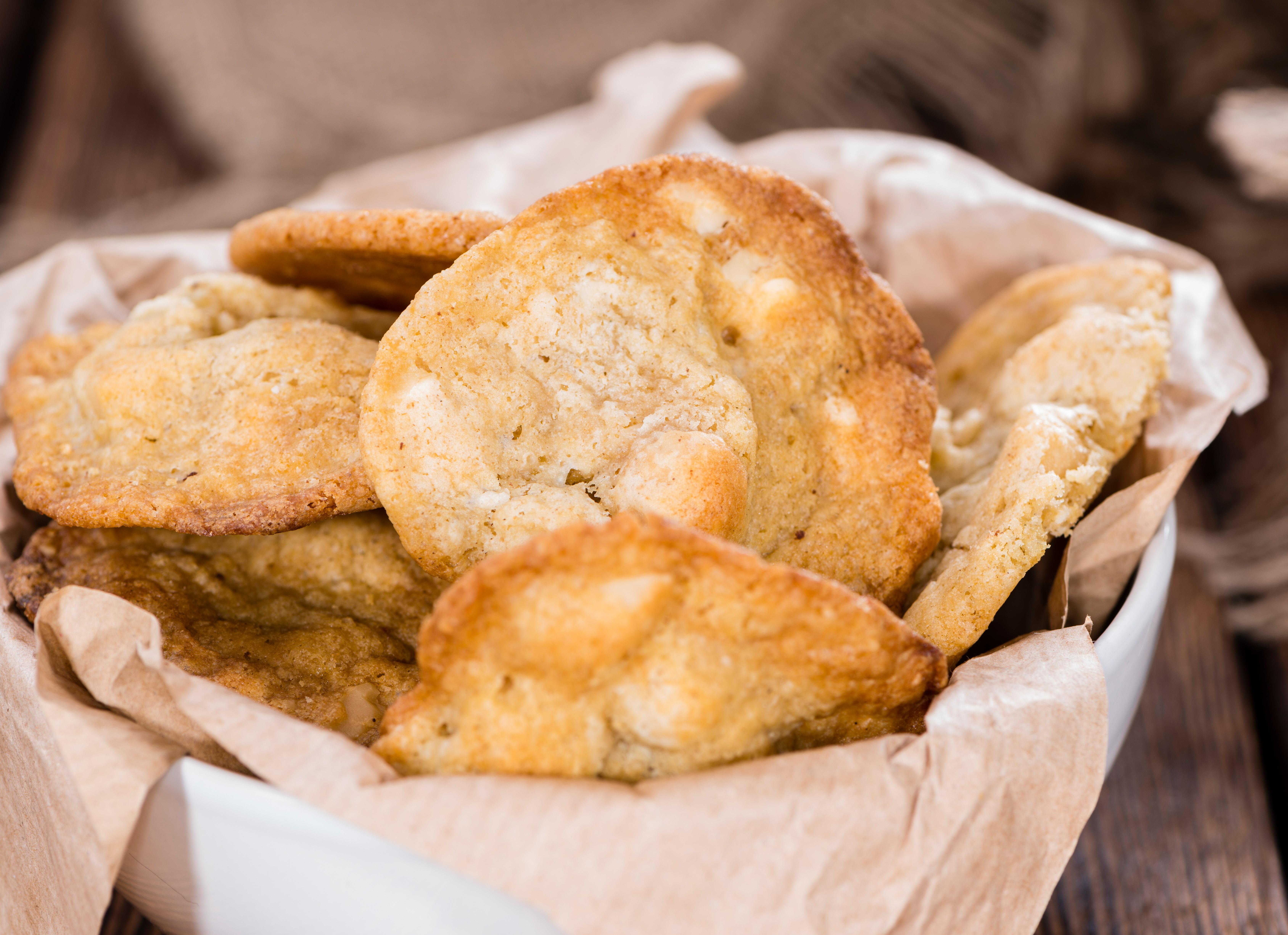 Macadamia Nut White Chocolate Cookies