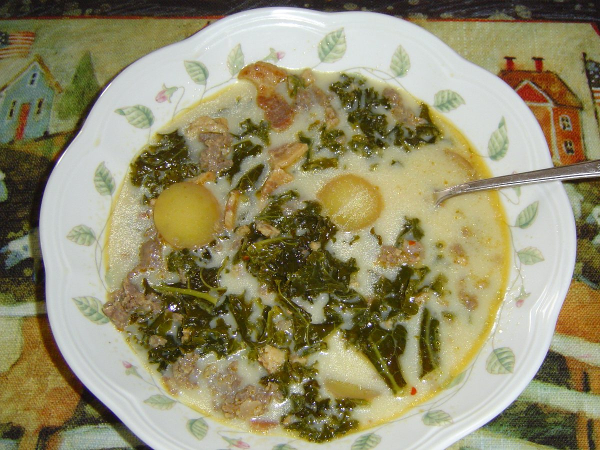 Olive garden style zuppa toscana bigoven for How to make zuppa toscana from olive garden