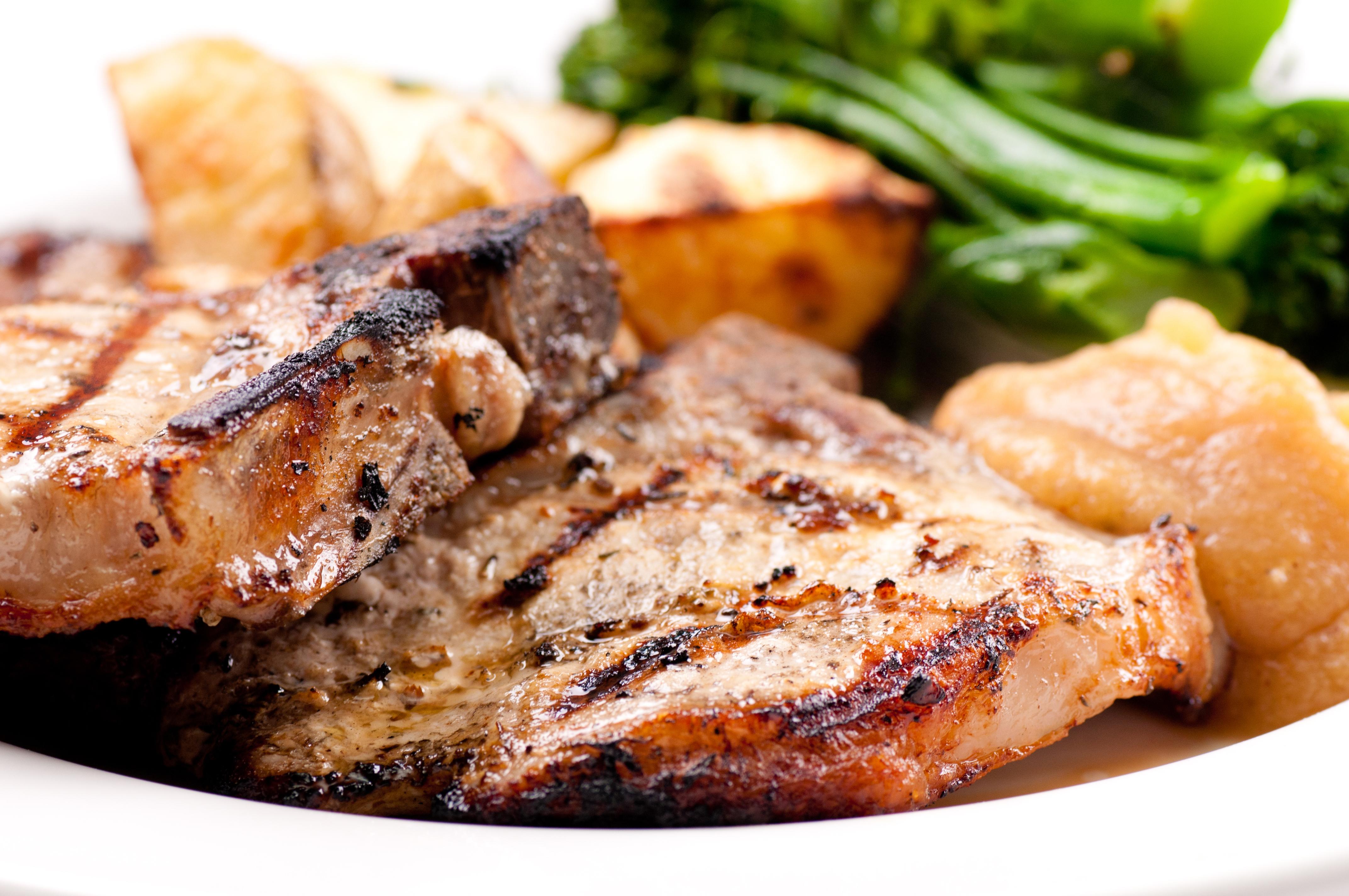 Pepper Rubbed Pork Chops - BigOven