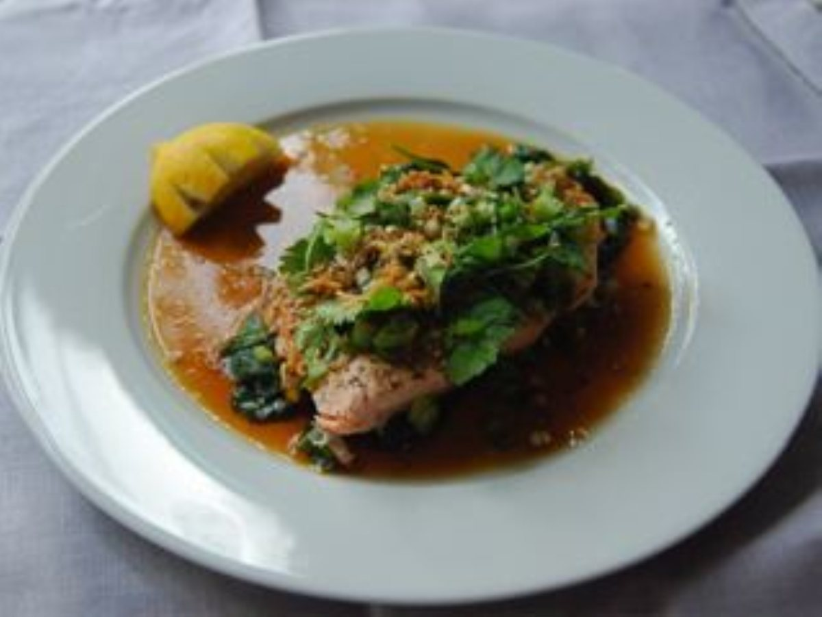 Steamed Salmon with Sesame Ginger Dressing - BigOven