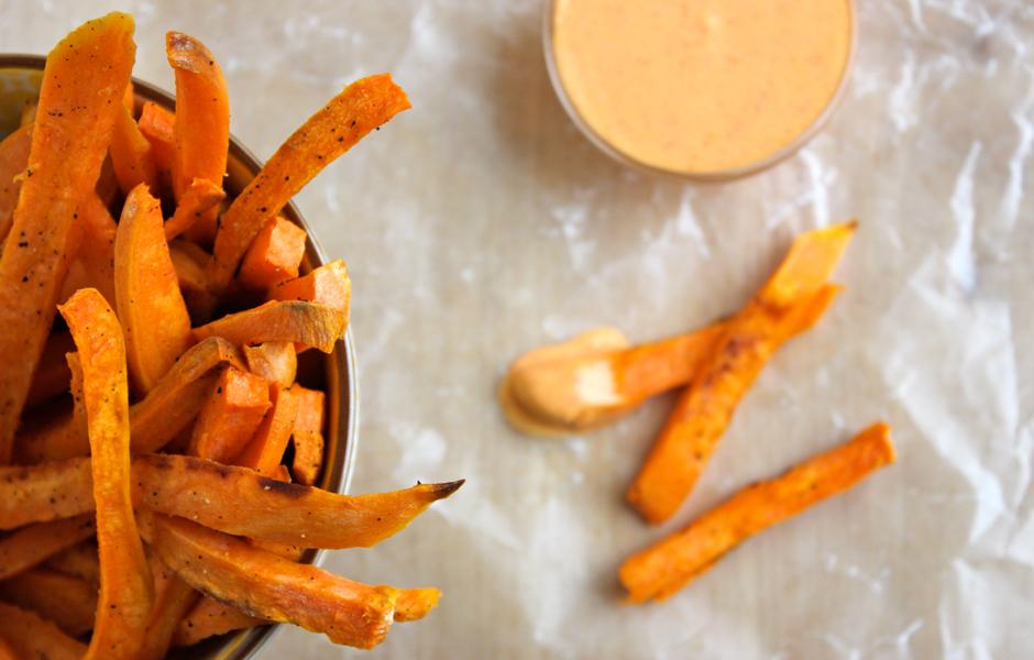 sweet-potato-fries-with-sriracha-creme-fraiche-1322798.jpg