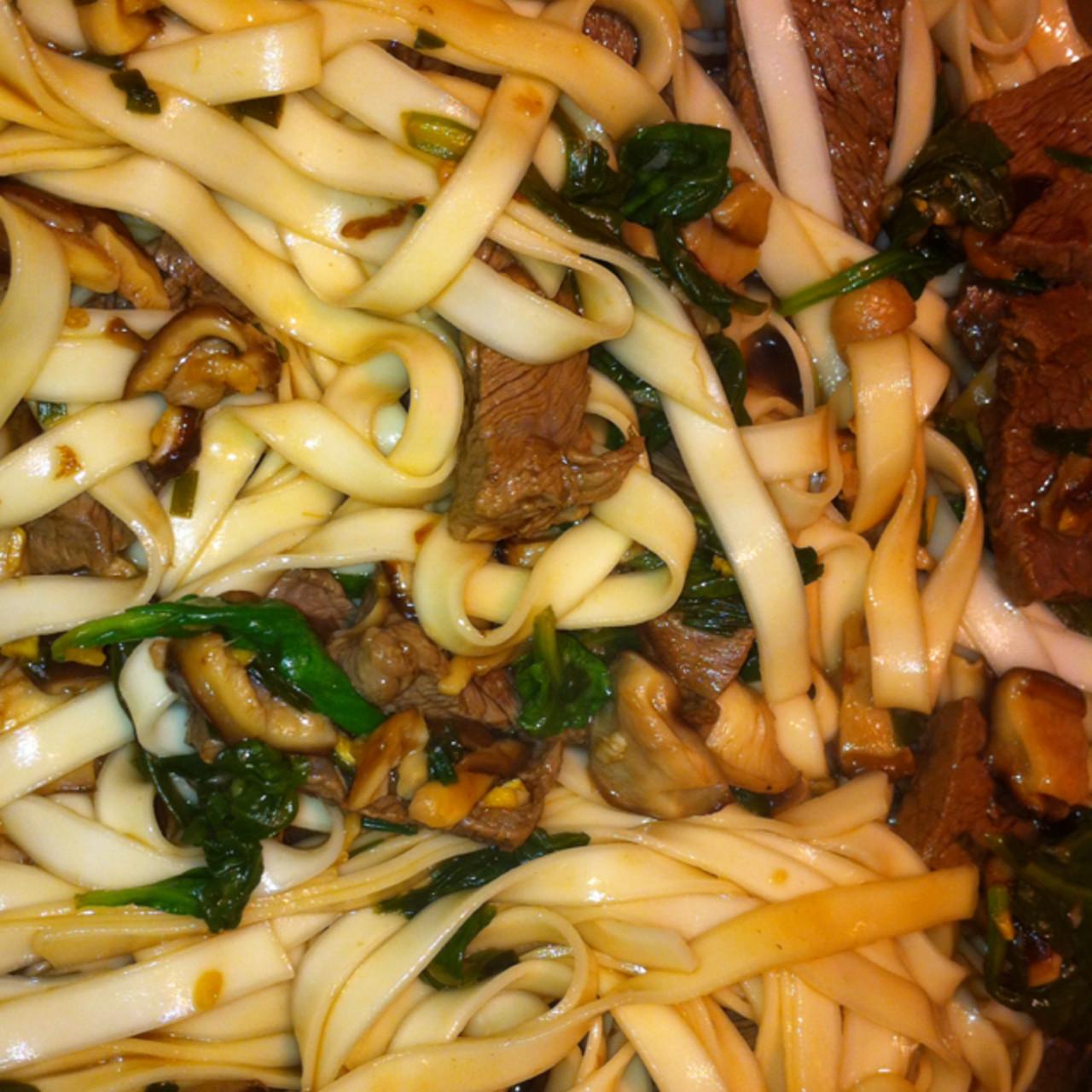 Beef Stir Fried Rice Noodles