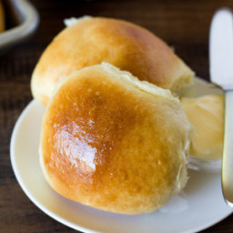 1-hour-soft-amp-fluffy-dinner-rolls-2.jpg