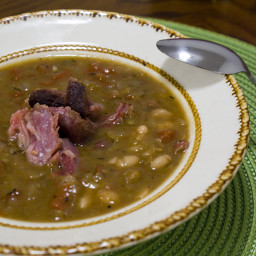 15 Bean Soup with Smoked Ham Hocks Recipe