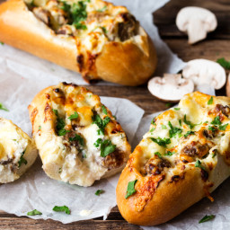 15 minute Creamy Garlic and Mushroom Stuffed Bread