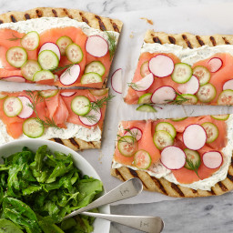 20-Minute Grilled Pizza with Smoked Salmon and Mixed Greens