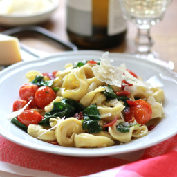 20 minute tortellini with spinach and tomatoes