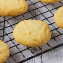 3 Ingredient Melt in Your Mouth Shortbread Cookies
