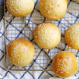 40-Minute Super Soft Hamburger Buns