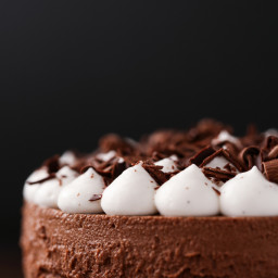 5-Ingredient, No-Bake Vegan French Silk Pie