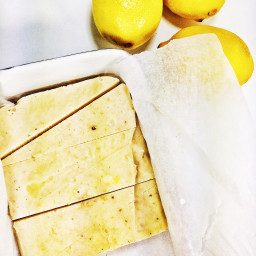 5 Ingredient Vegan Lemon Cheesecake