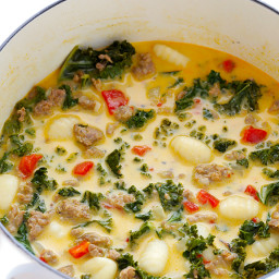 7-Ingredient Zuppa Toscana (Creamy Gnocchi Soup with Sausage and Kale)