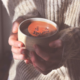 A Delicious Maca Hot Chocolate Recipe by The Holistic Ingredient