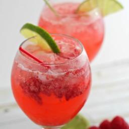 A Refreshing Cocktail: Raspberry Limeade Gin Fizz
