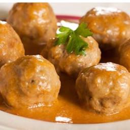Albondigas en Salsa (Tapas-Style Meatballs)
