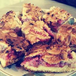 almond-berry-traybake-2.jpg
