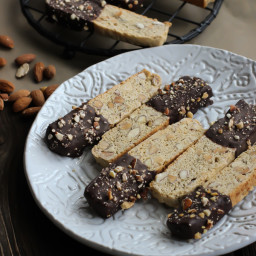 Almond Biscotti: Classic and Chocolate Dipped