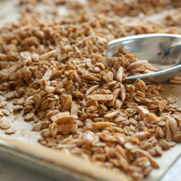 Almond-Nutmeg Granola