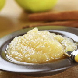 An Applesauce Recipe So Easy It Practically Cooks Itself