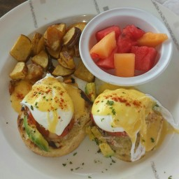 Andy?s Dungeness Crab Eggs Benedict