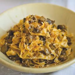Antonio Carluccio's chicken liver pasta