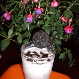 Apple and Oreo Quick Shake