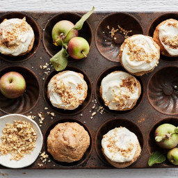 Apple, chai and ricotta muffins with apple dukkah
