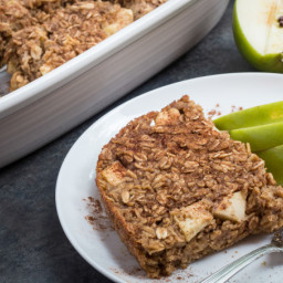 Apple Cinnamon Oatmeal Bake