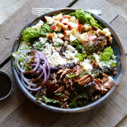Apple, Pecan and Feta Green Salad