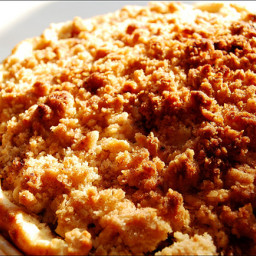 Apple Pie with Crumb Crust