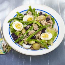 Asparagus and tuna salad