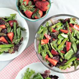 Asparagus Strawberry Mixed Green Salad