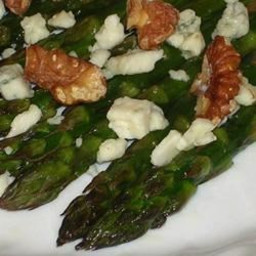 Asparagus with Gorgonzola and Roasted Walnuts