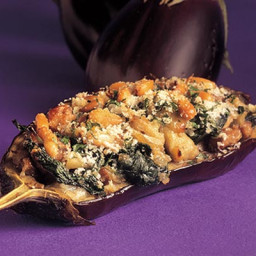 Aubergines filled with spinach and mushrooms