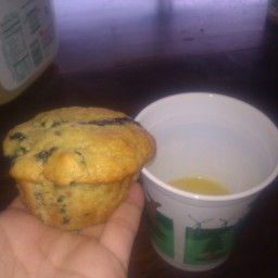aunt-evelyns-blueberry-muffins-3.jpg
