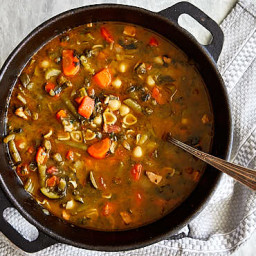 authentic-italian-minestrone-soup-recipe-2185759.jpg