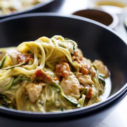 Avocado Alfredo Zoodles With Chicken + Sun Dried Tomatoes