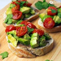 Avocado bruschetta(starter vegan/lactose free)