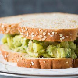 avocado-chicken-salad-1320810.jpg