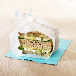 Avocado, egg and spinach sandwich