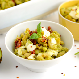 Avocado Mac and Cheese with Sun Dried Tomatoes