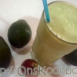 avocado-smoothie-1738172.jpg