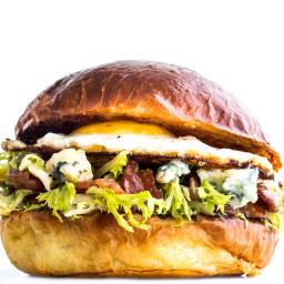 bacon-and-egg-lyonnaise-sandwich-1277602.jpg