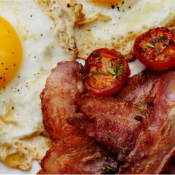 Bacon and Egg with Cherry Tomatoes #ILCL